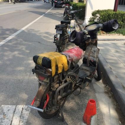 上海 横手貞一朗 街中 バイク